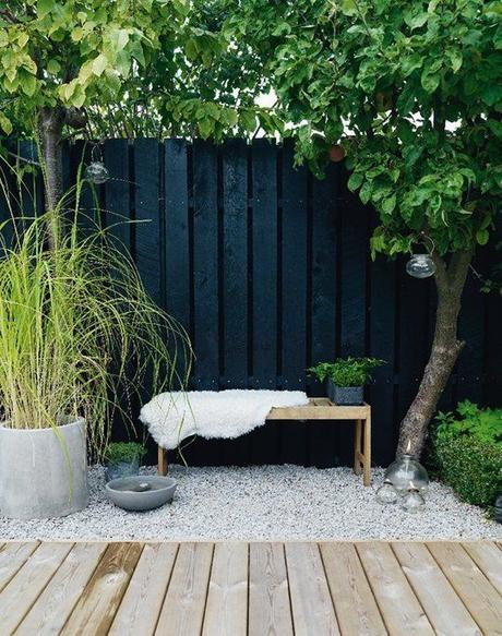 Trend Alert: Dramatically Dark & Delicious Outdoor Spaces | Apartment Therapy: