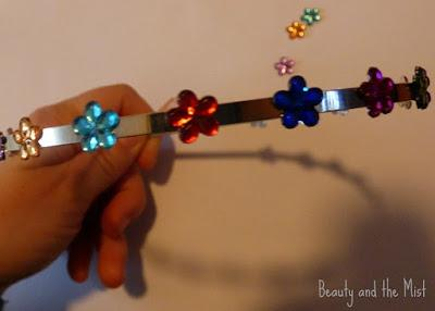 DIY: Metal Headband with Plastic Flowers