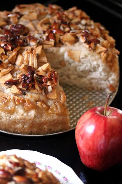 Vegan Apple and Almond Cake