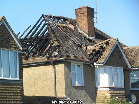 Fire-damaged house in Highfield Road (Chris Reynolds) / CC BY-SA 2.0