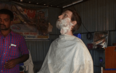 Backpacking in India: Top 1 Sight in Hampi – Me Getting My Beard Slashed