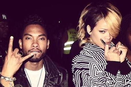 Miguel Performs Rihanna's 'Kiss It Better'