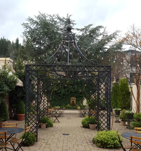 ashland-springs-hotel-secret-garden