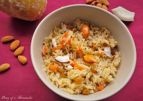 Jaggery and Carrot Rice (Gur Walay Chawal)