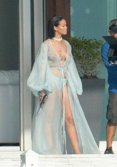 Rihanna Spotted Filming New Video
