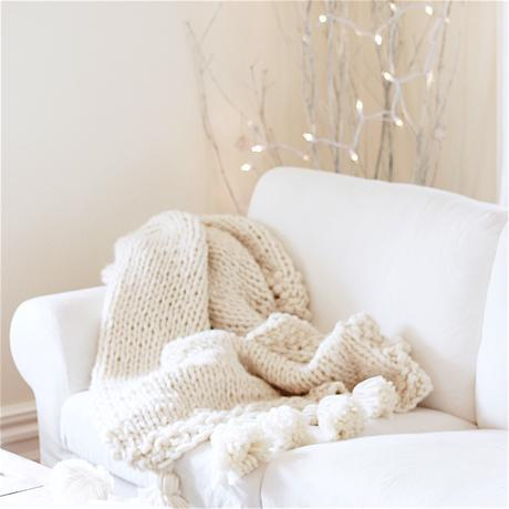 How to knit a Chunky Wool Blanket { Free downloadable pattern }