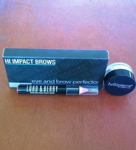 Beauty: Two Ways I wear Blue Eyeliner on My Dark Skin Tone