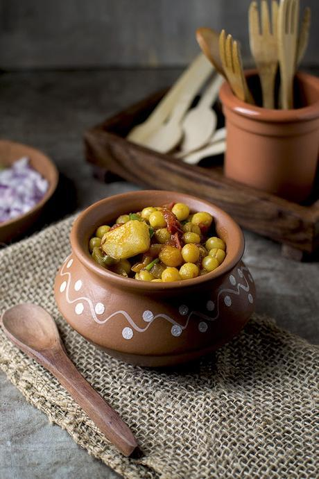 Bengali Street food with Dried Peas