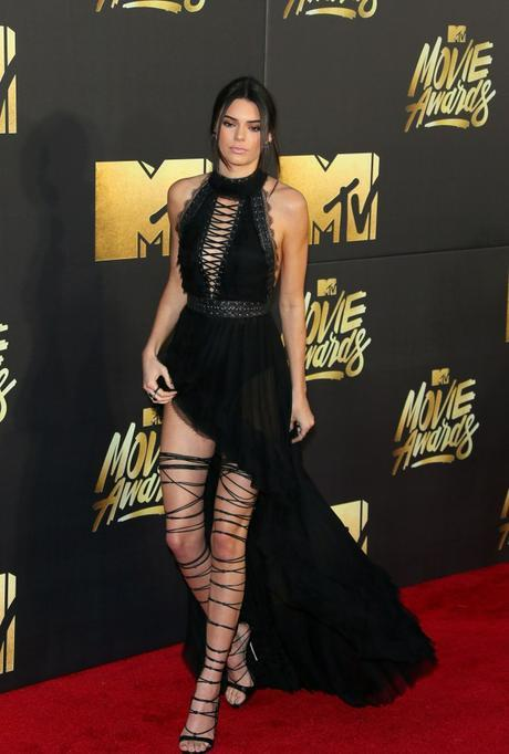 Model Kendall Jenner attends the 2016 MTV Movie Awards in Burbank, California, on April 9, 2016.  / AFP / JEAN BAPTISTE LACROIX        (Photo credit should read JEAN BAPTISTE LACROIX/AFP/Getty Images)
