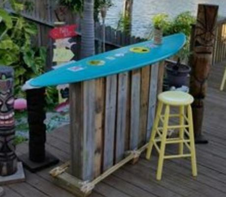 Top 10 ways to recycle and reuse surfboards paperblog for Surfboard bar top