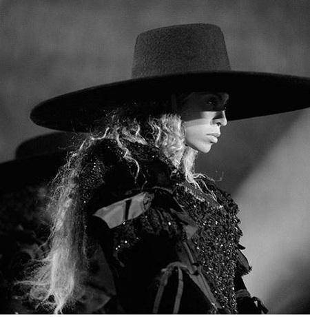 Beyoncé opens formation world tour in custom Dsquared2