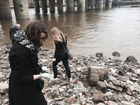 Thanks @JasCochran for the Review in @Frommers #Mudlarking #Thames #London