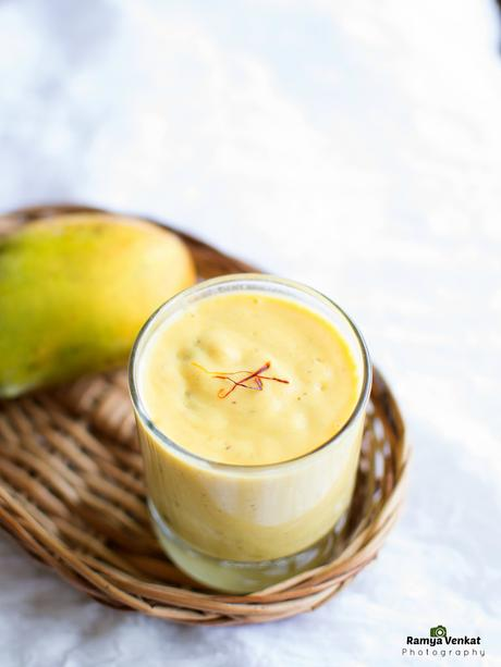 how to make a mango smoothie without milk