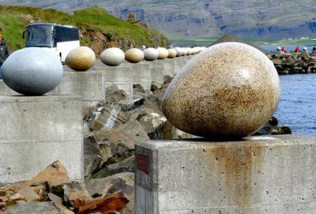 The Stone Eggs of Merry Bay, Djupivogur