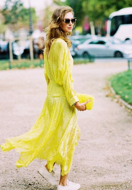 A feminine maxi dress with white sneakers is a perfect outfit combination this summer: