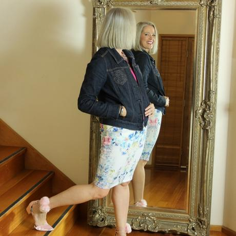 Inside Out Style Blog: learn to look in the mirror and love yourself no matter your size, shape or age