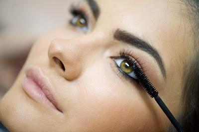 7 Tips for Getting the Lush Lash Look without Extensions
