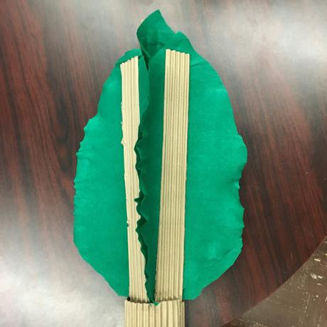 Easy DIY: Cardboard and Tissue Paper Palm Tree