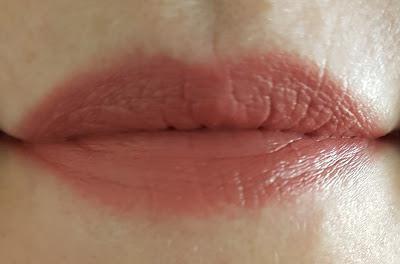 Burt's Bees lipstick review