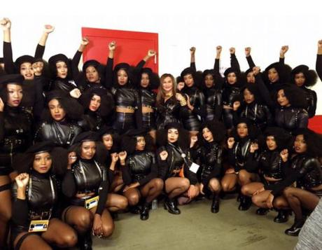 Beyoncé and her back up dancers.