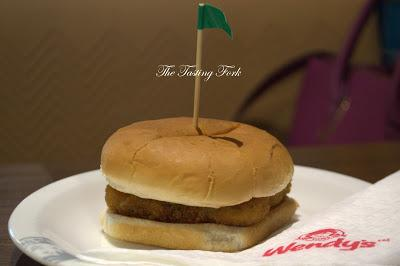 A Kitchen Tour and Foodgasm of the Menu at Wendy's, Cyber Hub, Gurgaon