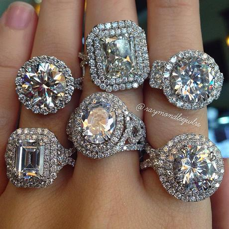 Which are CZ's and which are Moissanite?