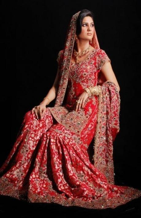 5 Best Indian Bridal Dresses for Every Type of Bride