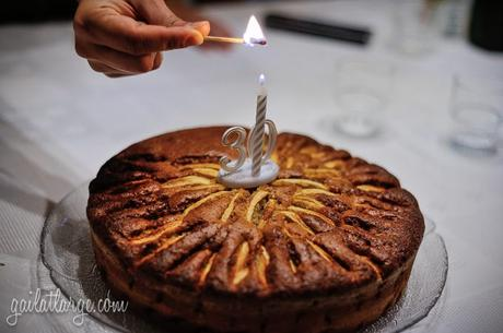 birthday cake: Bolo de Maçã (apple cake)