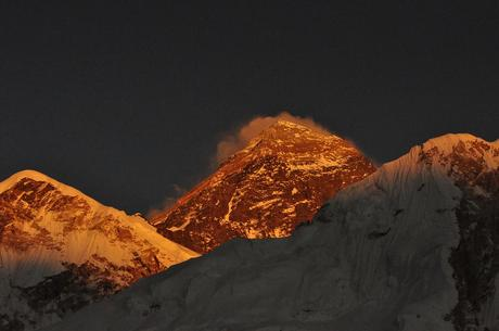 Himalaya Spring 2016: More Summits on Everest, Earthquake Alters Hillary Step