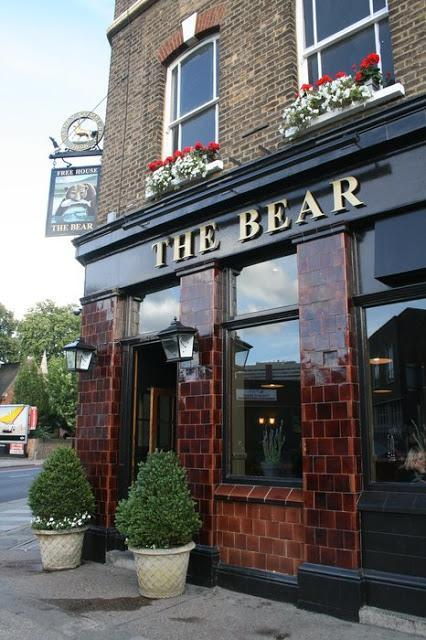 Sunday Lunch at The Bear in Camberwell @bearfreehouse Recommended by @GuidedbyIsobel