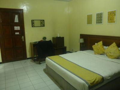 My cosy room at Hotel Baraka in Dowtown Dakar, Senegal