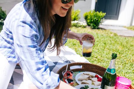 Dallas Blogger, Amy Havins, shares a summer cocktail recipe from Kahlua.