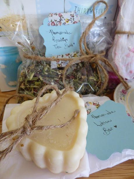 Tea Cup Exchange of Gifts - Five of Friday