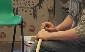 Making a Neanderthal spear the Neanderthal way