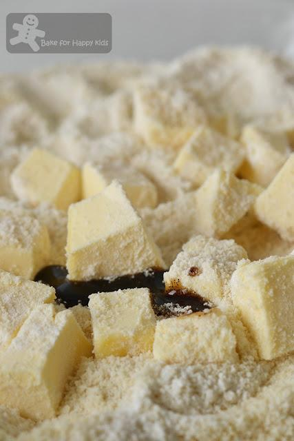 Quick and Easy Almond Shortbread (Anneka Manning) - Highly Recommended!