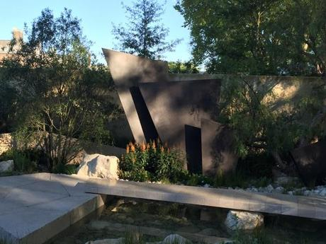Andy Sturgeon's dramatic Telegraph Garden where the bronze fins represent mountains within arid setting