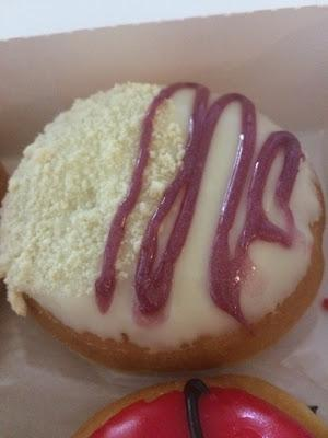 Today's Review: Dunkin' Donuts Cherry Cheesecake