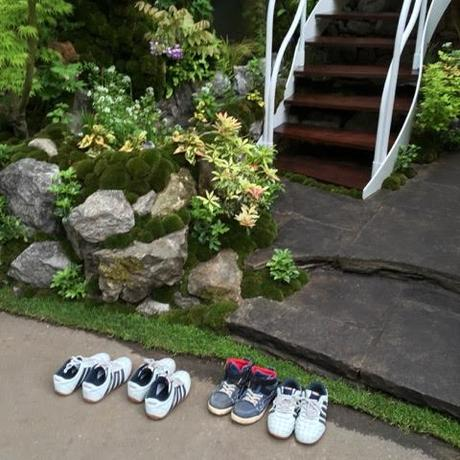 Shoes left outside as the team put the finishing touches to the Senri-Sentei garden