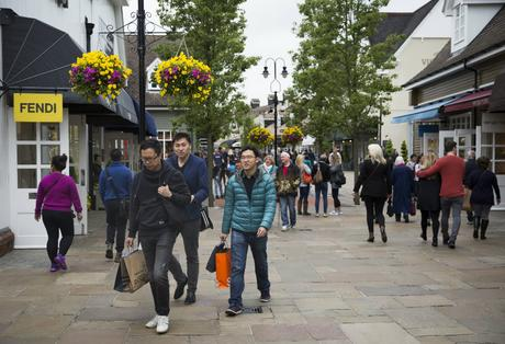 Chinese Tourists Flood to Bicester Village Shopping Centre