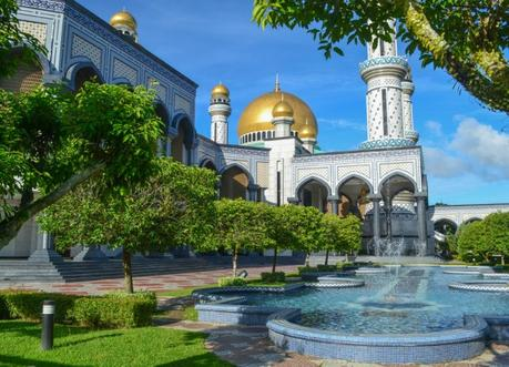 Sultan Omar Mosque, Top Attractions in Brunei Tourist Areas