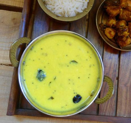 Maharashtrian Kadhi | Simple Yogurt Curry | Gravy for Rice