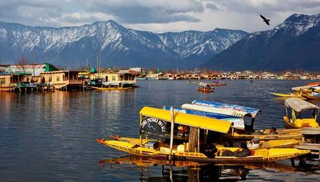 Places to Visit in Kashmir- Eat, Explore, Love the Paradise on Earth