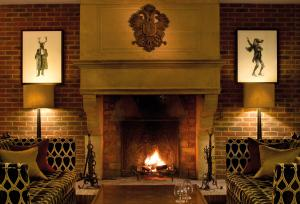 3. Sopwell-House-Reception-Fireplace