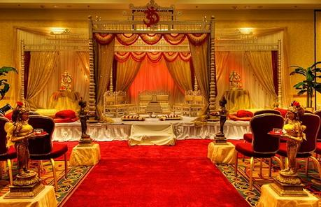 10 Awesome Indian Wedding Stage Decoration Ideas