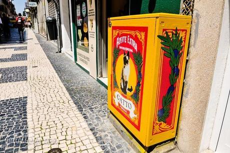 electrical box street art by Catarina Rodrigues and Thiago Marci
