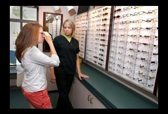 How do I become an optician?