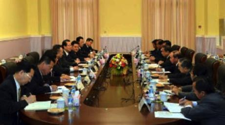 WPK delegation led by Choe Tae Bok meets with senior officials of the Lao People's Revolutionary Party in Vientiane on June 7, 2016 (Photo: Rodong Sinmun).