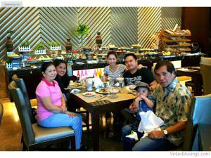 Family Picture - Family Lunch at Café Eight, Crimson Hotel