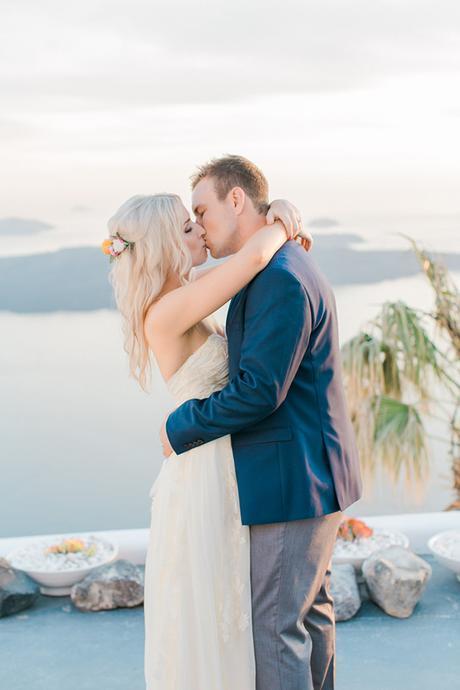 summer-wedding-santorini-greece (2)