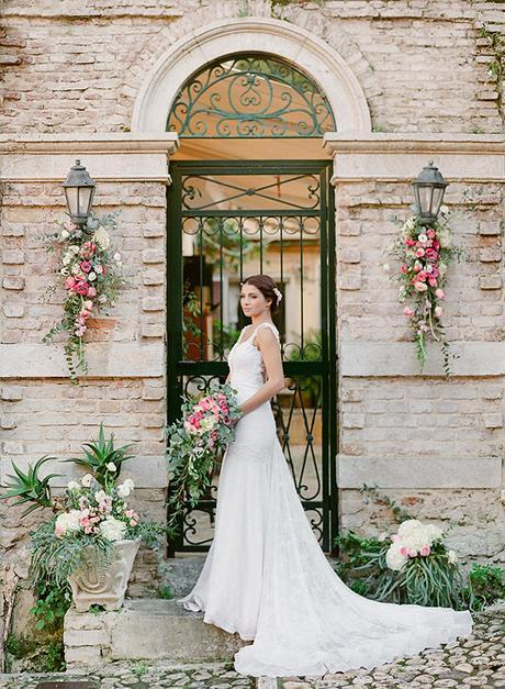 long-tail-wedding-dress
